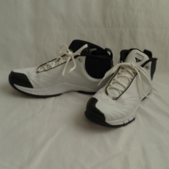 89b52d01d Jordan Other - Jordan Jumpman Derek Jeter Men s Golf Shoes